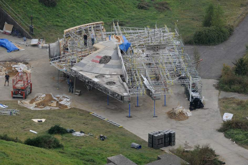 leaked Episode 7 set pictures 3